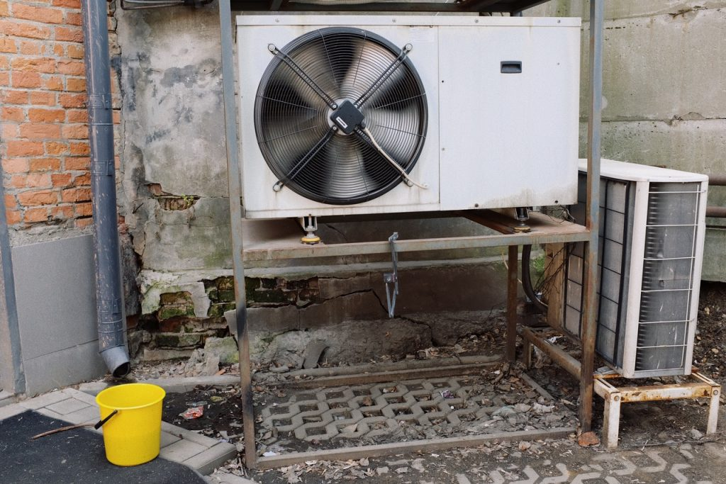 cleaning vent hvac